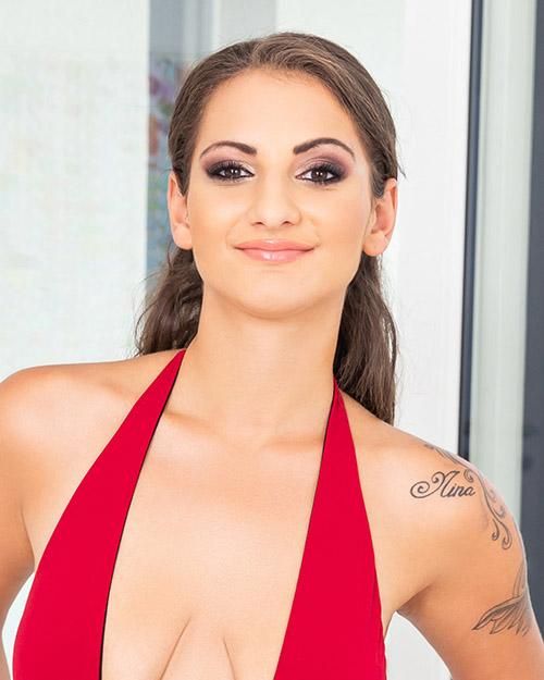 Nicoletta Noirett