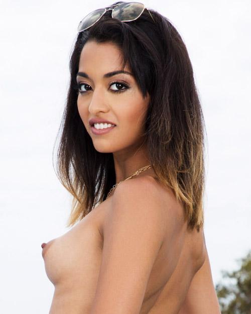 Scarlett Domingo