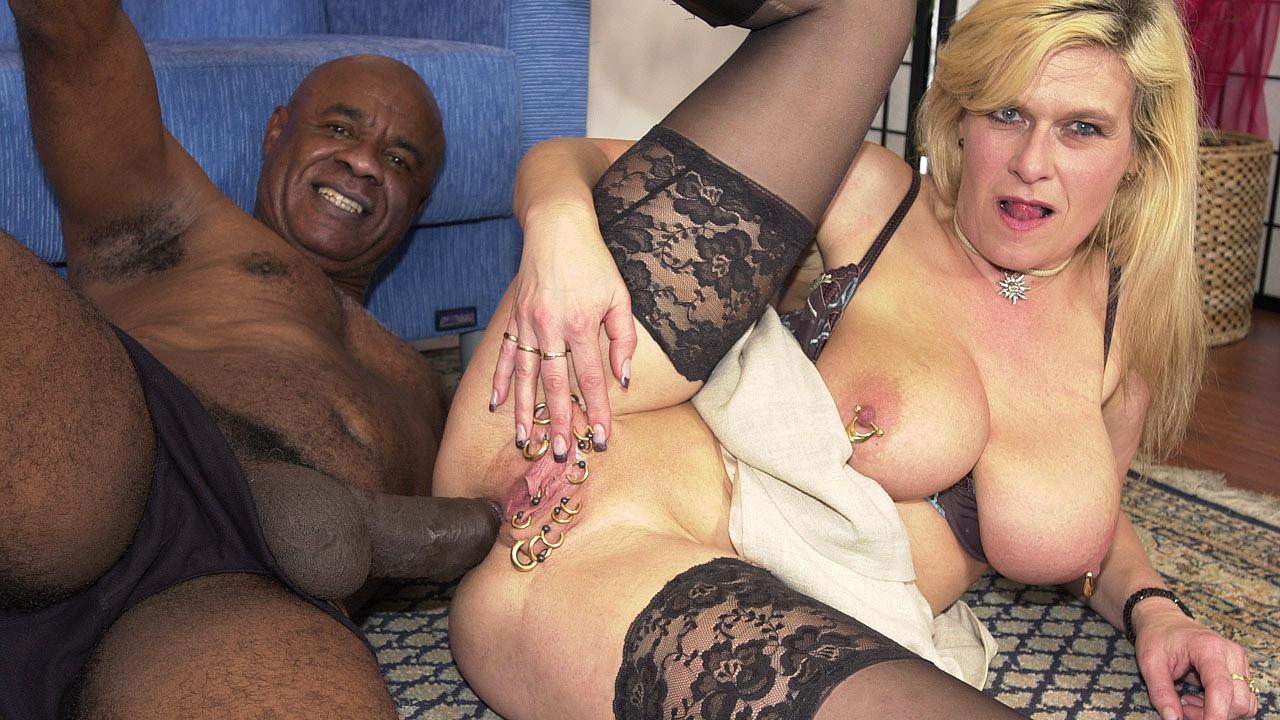 Blonde Slut Takes Massive Ebony Dick In Ass