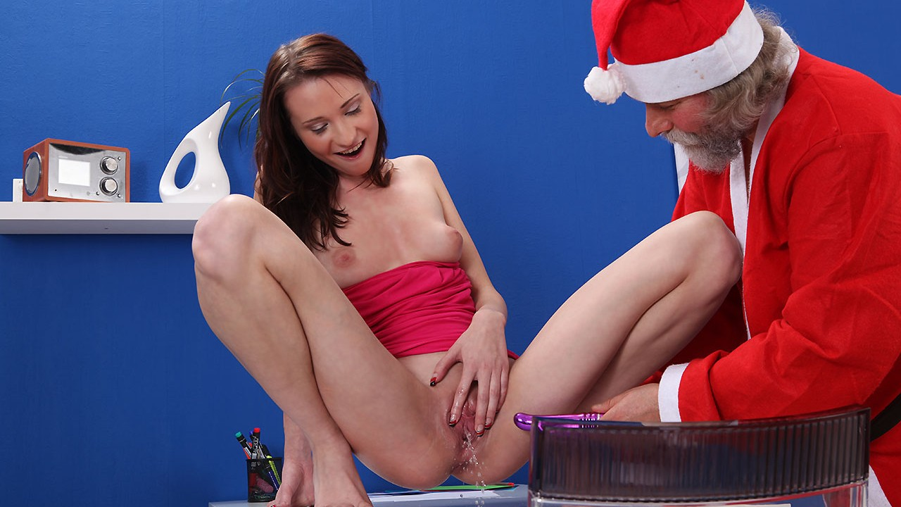 Chelsy Sun In A Pissing Christmas Miracle