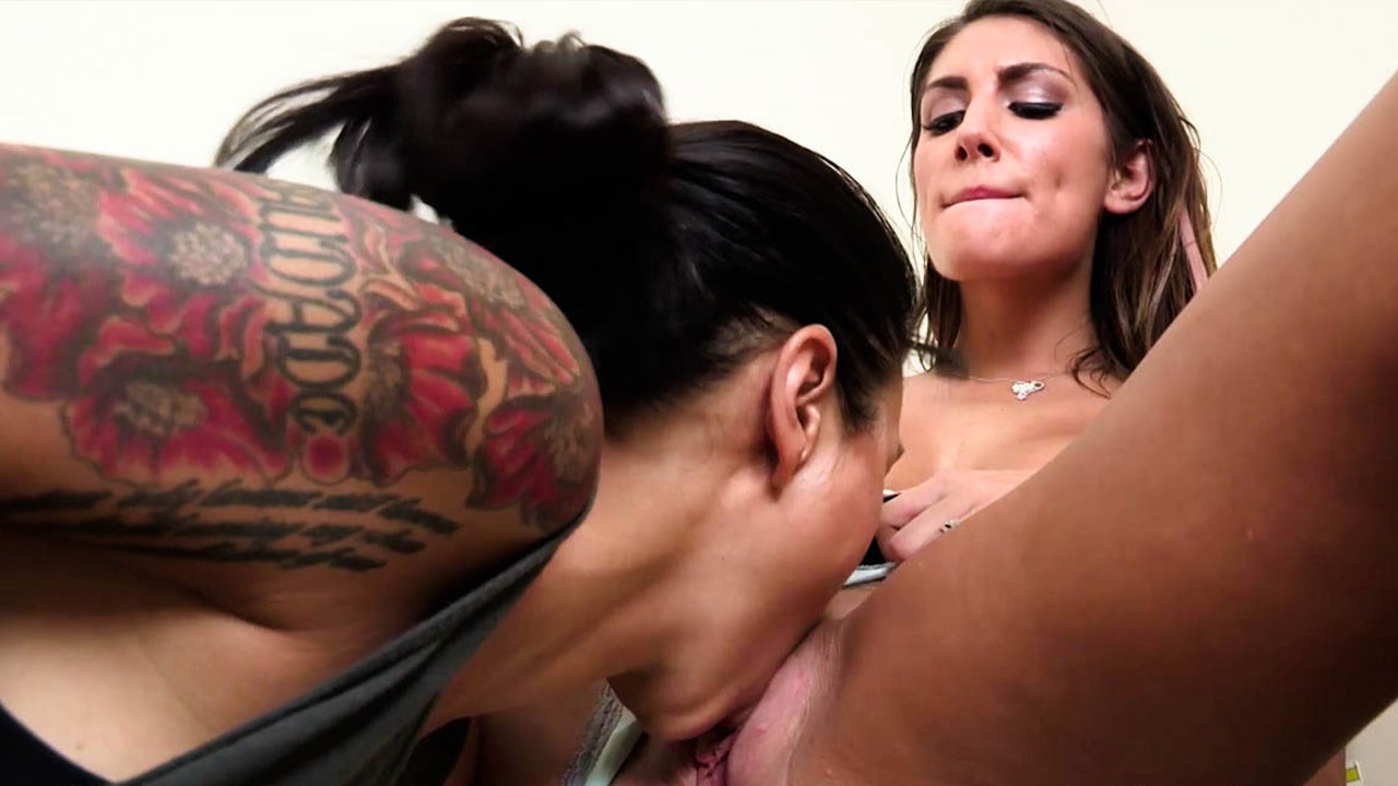 Dana Vespoli And August Ames In Hot Lesbian Session