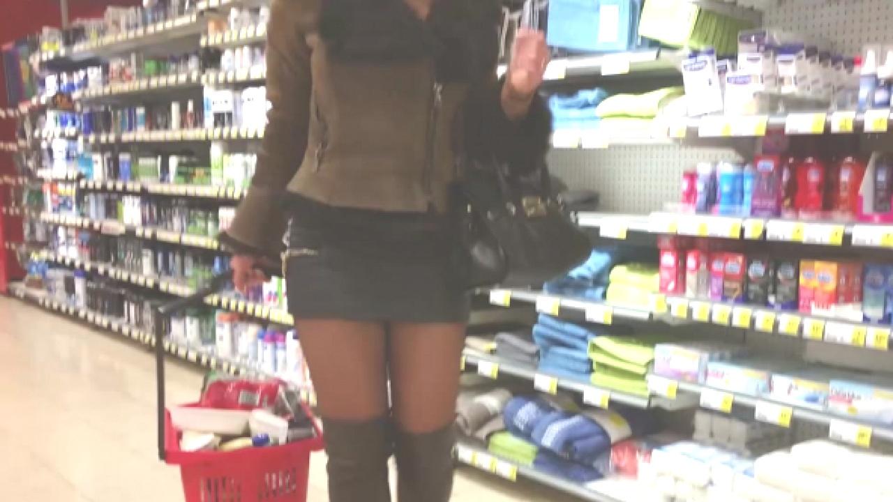 Hooker Julie Goes Shopping