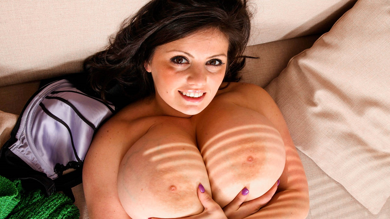 Horny Brunette With Huge Tits Masturbates
