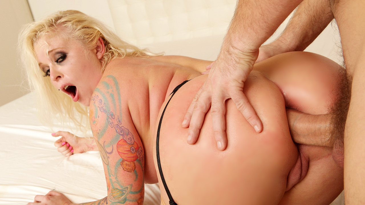 Inked Blonde Angel Vain With Luscious Curves Gets Her Anal Fix Of The Day
