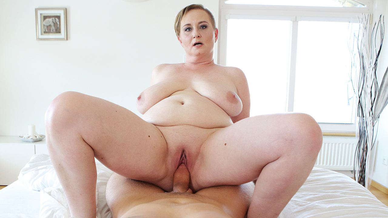 Mature Girl Is Hungry For Cock
