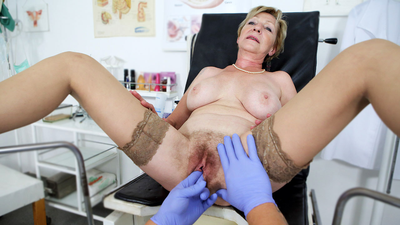 Mature Lady Loves To Ride Her Doctor