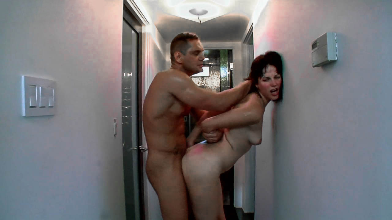 Nympho Bobbi Starr Got A Taste Of Extreme Hardcore Sex