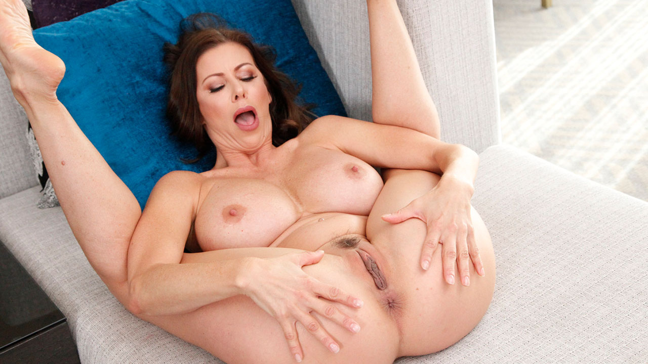 Pov Facial And Fuck For Alexis Fawx