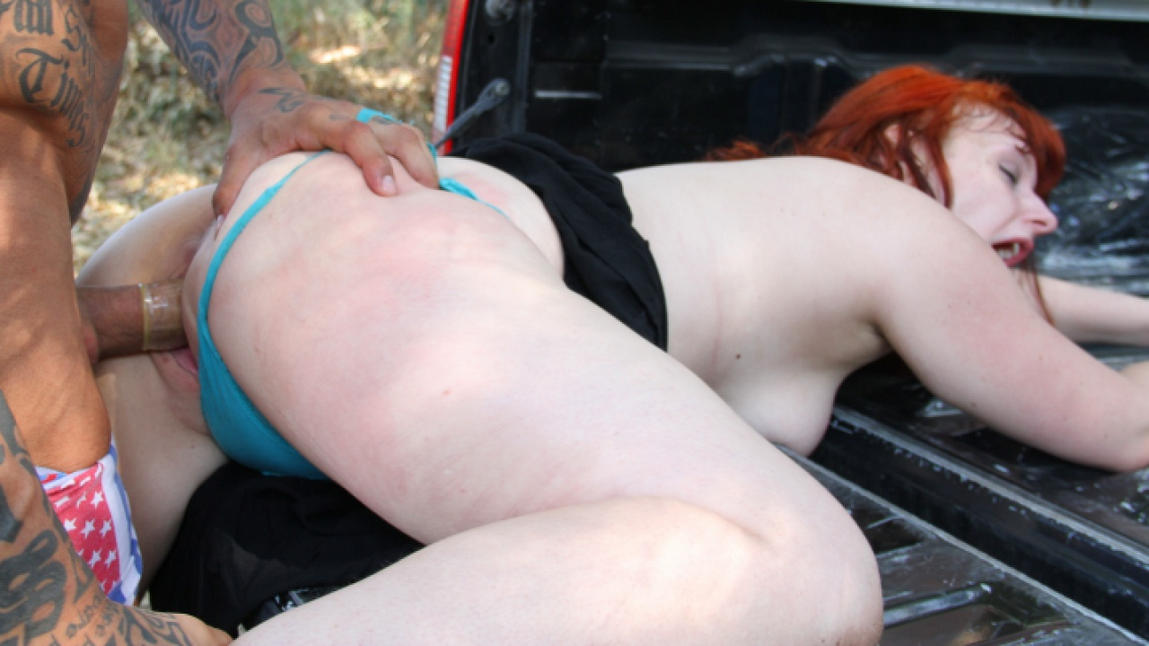 Red Hot Babe Fucked Hard On Back Of Pickup
