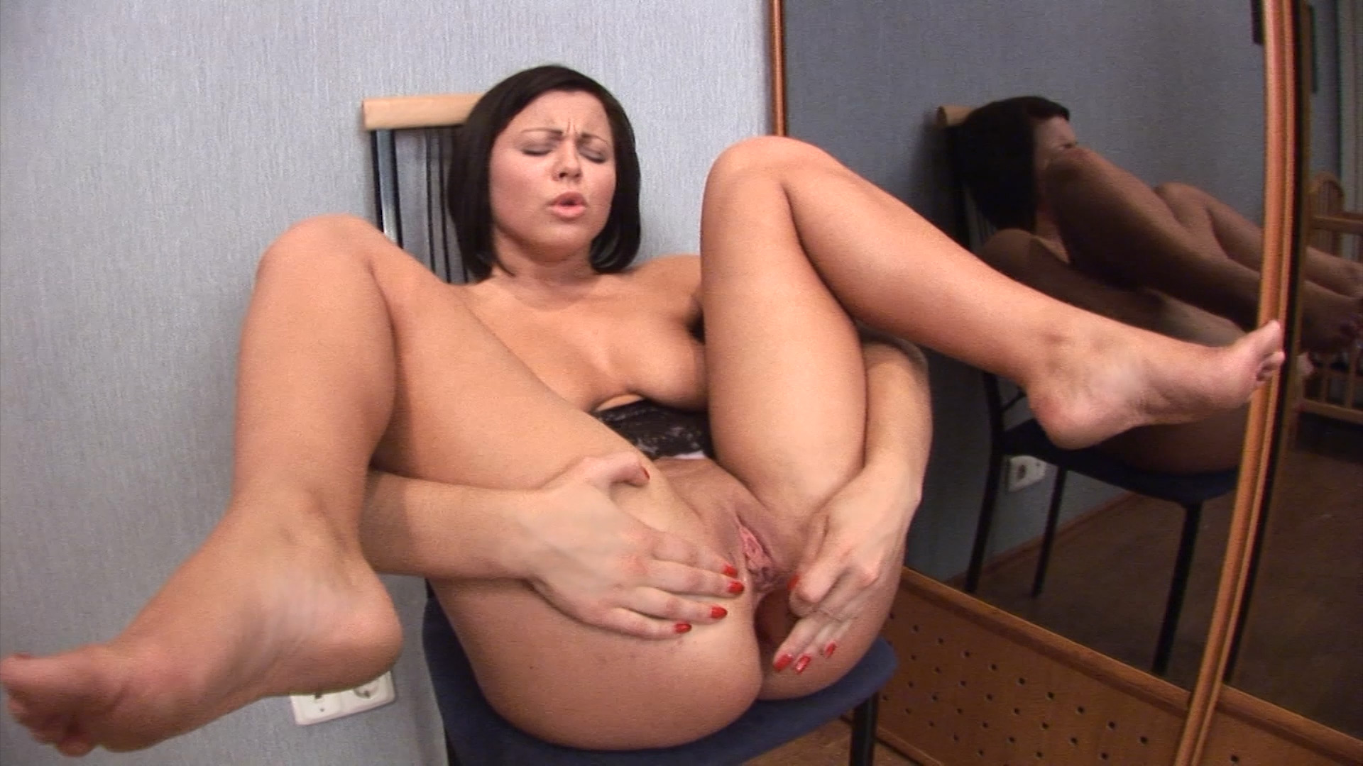 Sexy Brunette Loves Her Dildo
