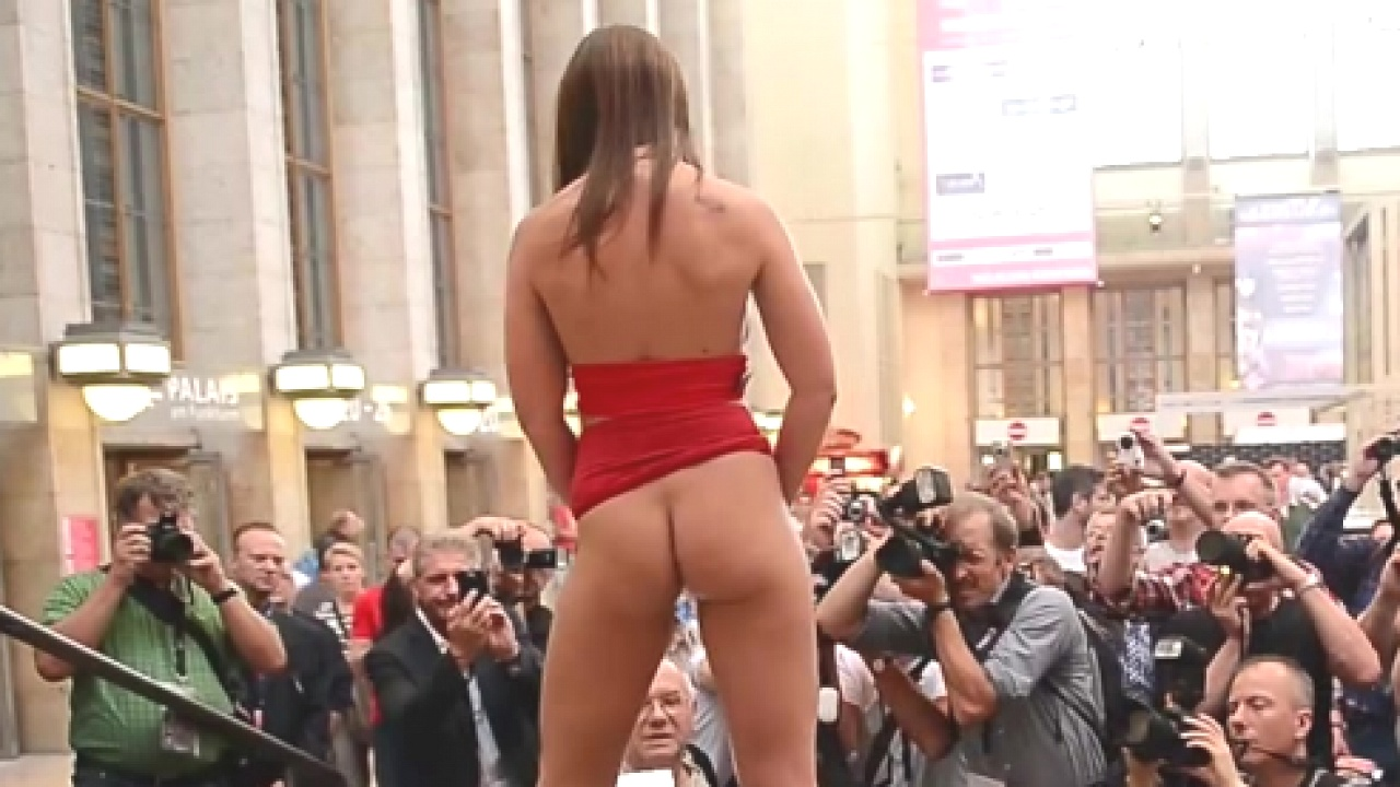 Slut At Award Show